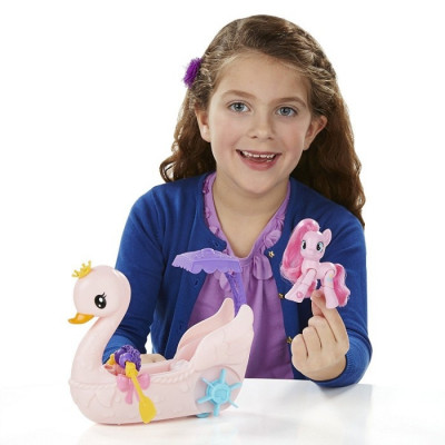 MY LITTLE PONY PASEO EN EL BOTE CISNE DE PINKIE PIE