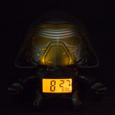 RELOJ DESPERTADOR CON LUZ DE KYLO REN - STAR WARS de la categoría Star Wars